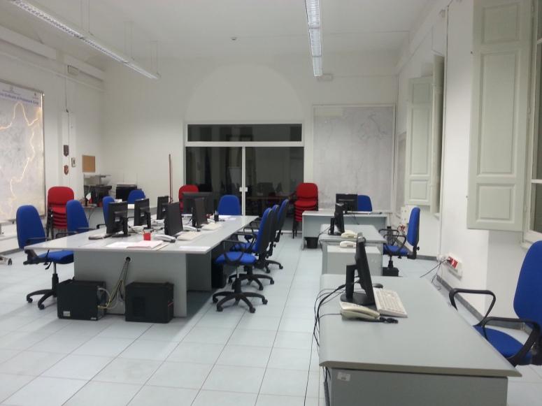 Nella foto: sala operativa della Protezione Civile di Prato. Credits: Andrea Intonti