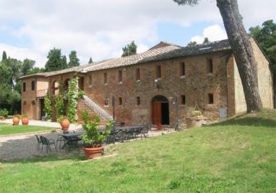 Nella foto la tenuta di Suvignano (Siena), attualmente il più grande bene confiscato alle mafie in Toscana e nell'Italia centrale; credits: benisequestraticonfiscati.it