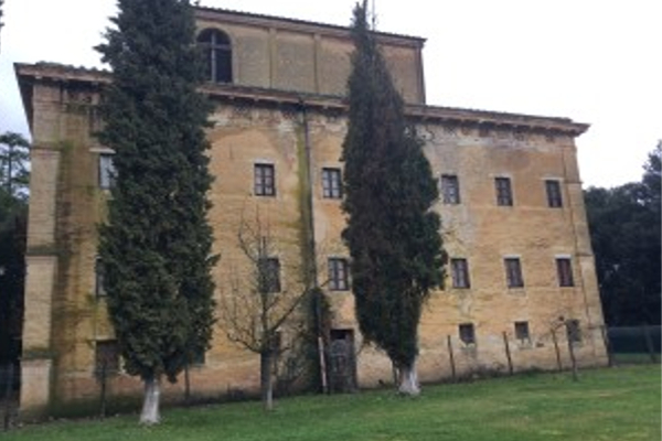 Nella foto: tenuta di Suvignano (Siena), sequestrata alla mafia già nel 1983. Più importante bene sequestrato a cosa nostra in Toscana. Credits: ilsignorrossi.it
